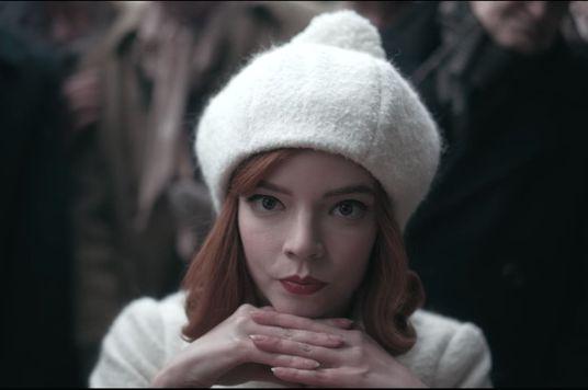 The Queen's Gambit: Thiên tài cô đơn trong thế giới của những người cô đơn