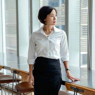 """A Working Woman: """"Hành trình chuyển hóa bản năng thô thành sức mạnh trong cuộc sống"""""""