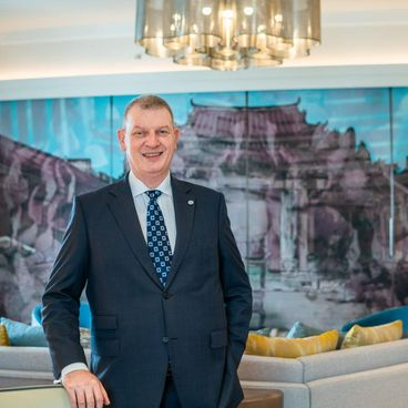 Ask A Senior: Scott Hodgetts, General Manager của Sheraton Saigon Hotel & Towers