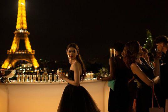 """Hiểu Emily in Paris như """"người trong ngành"""""""