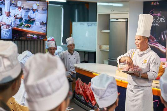 Interporc: Bí quyết phát triển bền vững của ngành công nghiệp thịt heo Tây Ban Nha