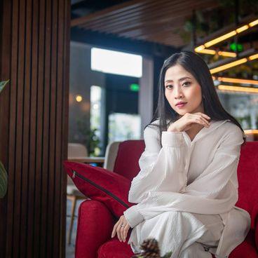 A Working Woman: Liêu Hà Trinh và 10 năm sự nghiệp làm nên từ Chính trực - Hoà ái - Bản sắc