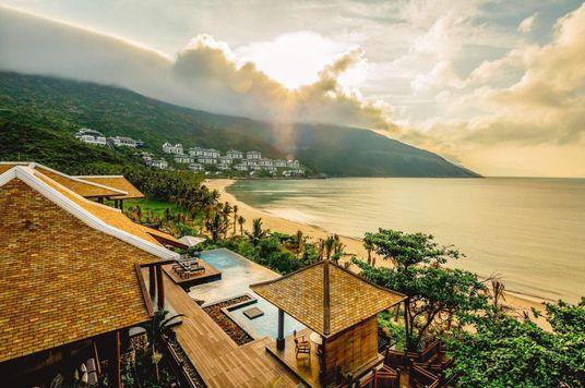 InterContinental Danang Sun Peninsula Resort — Thúc đẩy du lịch sinh thái và bảo tồn thiên nhiên