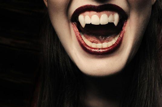 """Hiệu ứng Vampire: Khi gương mặt đại diện """"hút máu"""" khách hàng hơn sản phẩm"""