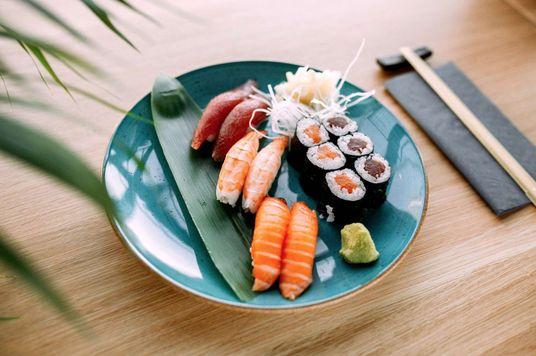 Bộ 'quy tắc ngầm' để ăn sushi chuẩn như người Nhật