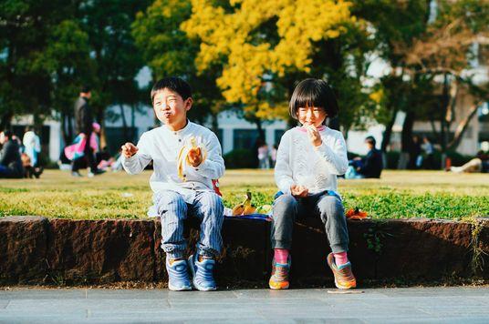 Cha mẹ sinh con, nhưng thứ tự sinh tính?