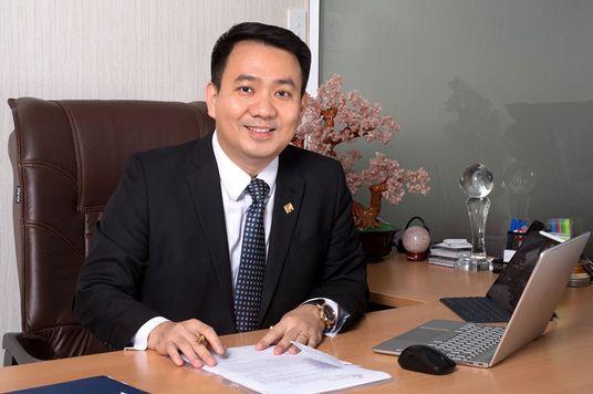 """""""Học MBA thời điểm chín muồi nhất là khi cảm được những vấn đề quản trị."""" - CEO PNJ Lê Trí Thông"""