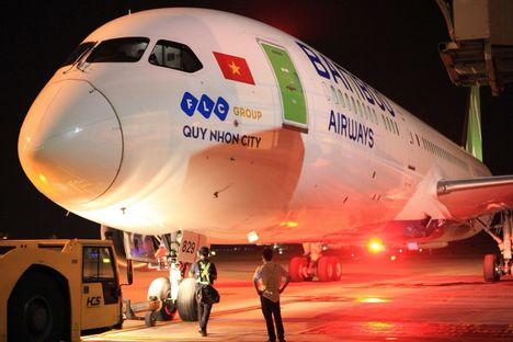 Bamboo Airways' First Direct Vietnam-US Flight Lands In San Francisco