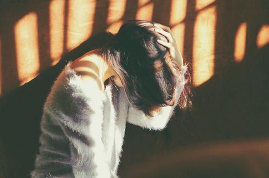 Vì sao chúng ta cứ nhớ mãi những ký ức không vui?
