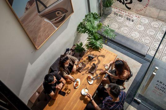 Sóng Sánh Café: Nơi cà phê giao nhau với nghệ thuật