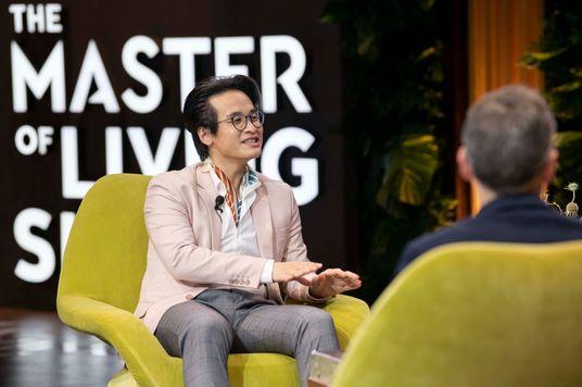 """Hà Anh Tuấn và Đoan Trang nói gì về """"sống khỏe""""?"""