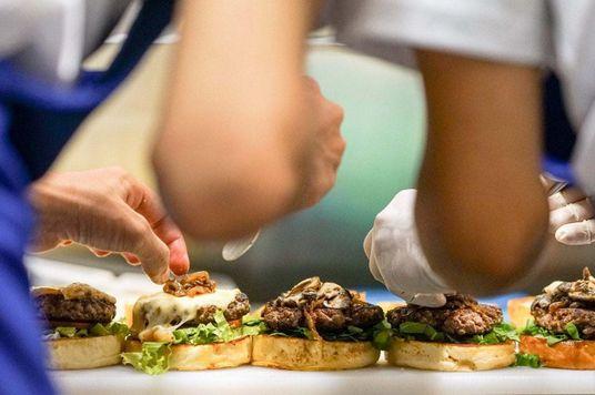 Top 5 nhà hàng Âu có trải nghiệm văn hóa thú vị tại Sài Gòn