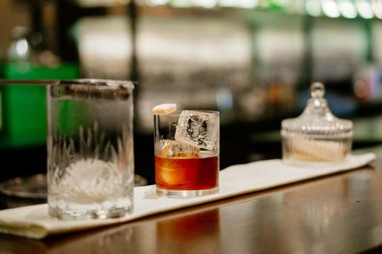 Những quán bar ẩn mình tại trung tâm Sài Gòn - Phần 1