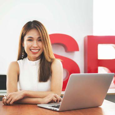 Ask A Senior: Nhìn lại thị trường thời trang Việt cùng Fashion Marketing Strategist Trần Hà Mi
