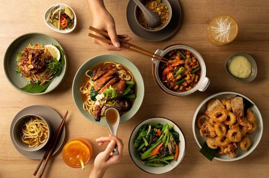 Thưởng thức bữa ăn Việt tinh tế tại 8 nhà hàng ở Hà Nội
