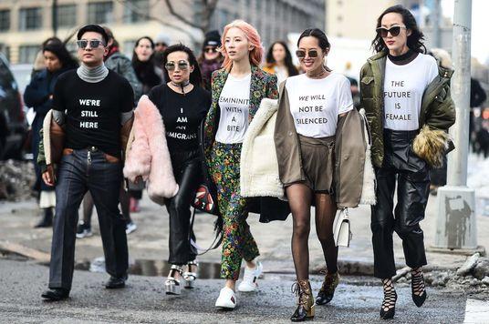 Nữ quyền qua ngôn ngữ thời trang